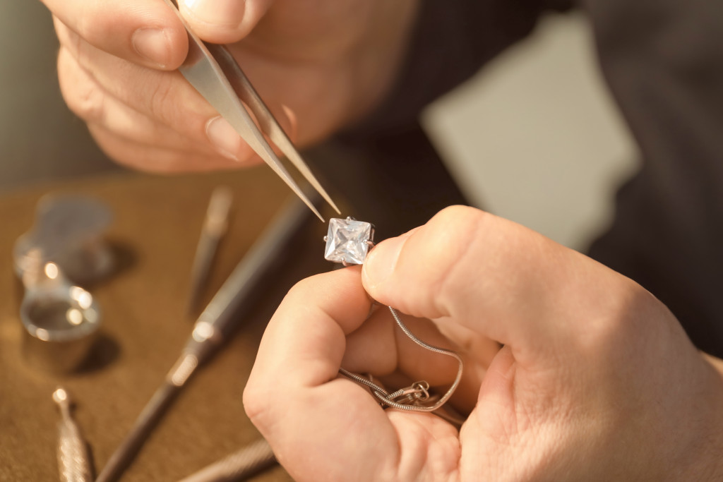 diamond being fitted